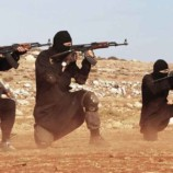 IS attack kills 32 at Syria refugee camp
