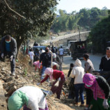 Governor takes part in cleanliness drive